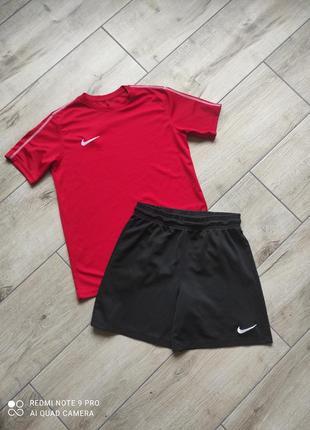 Спортивный костюм футбольный