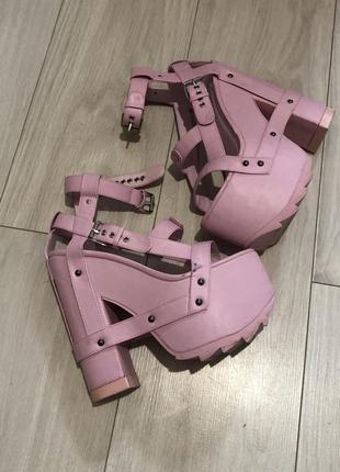 Yru nightcall pink, demonia, buffalo, dollskill