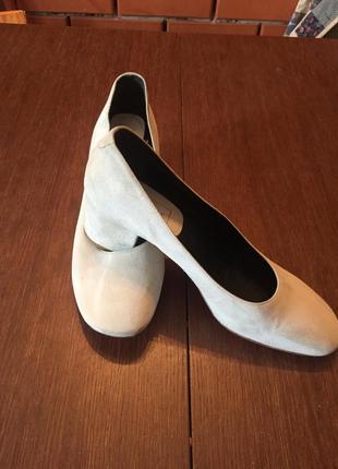 Легкие замшевые  туфли ballin 41 р ( 27 см).