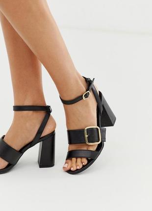 Босоножки на блочном каблуке new look