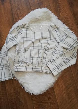 Нежная блузка топ с открытой спинкой