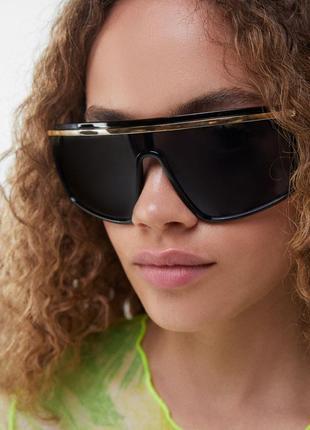Cонцезахисні окуляри bershka