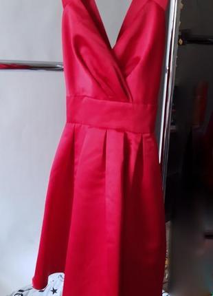 Красное платье вечернее выпускное нарядное с пышной юбкой