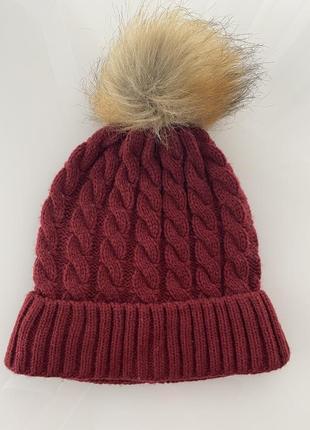 Тепла зимова шапка