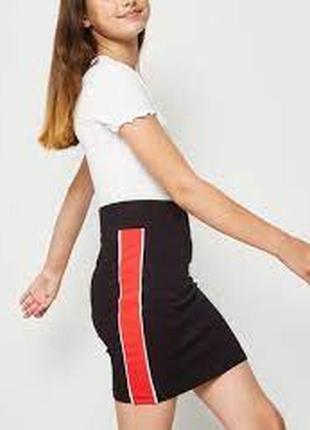 New look generations стильная трикотажна юбка с лампасами. 9 лет