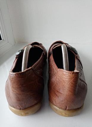 Кожаные лоферы с пуговицей туфли с перфорацией на низком ходу размер 4010 фото