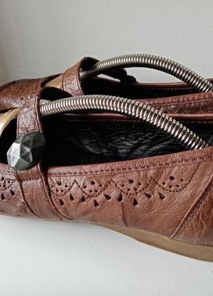 Кожаные лоферы с пуговицей туфли с перфорацией на низком ходу размер 404 фото