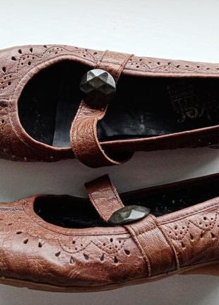 Кожаные лоферы с пуговицей туфли с перфорацией на низком ходу размер 405 фото