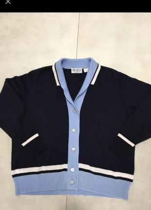 Стильный итальянский свитер