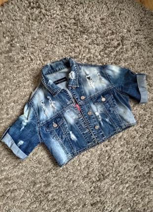 Укороченная джинсовая курточка пиджак