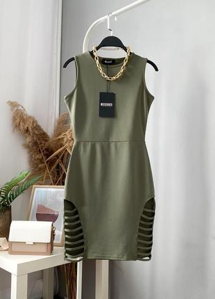 Стильное платье в оригинальными вырезами missguided