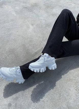 Женские кроссовки prada cloudbust white