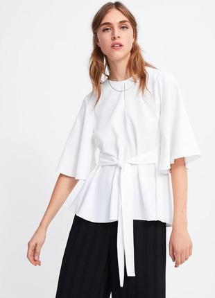 Zara блуза с расклешенными рукавами и поясом