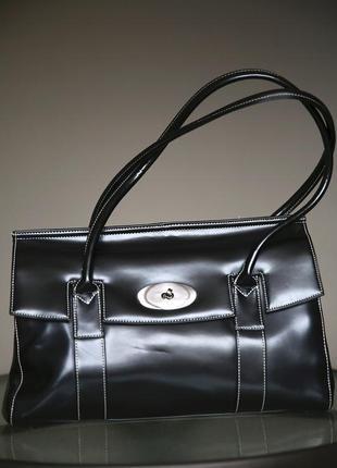 Красивая,твердая,фирменная сумка, глянцевая кожа