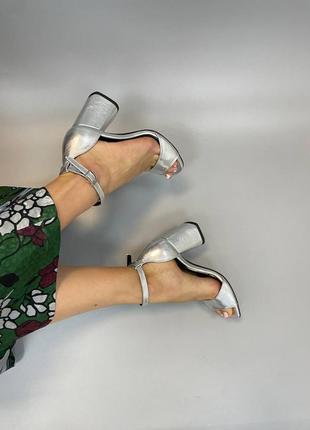 Шкіряні босоніжки квадратний носик каблук кожаные босоножки2 фото