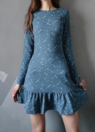 Изумительное платье в цветы с рюшей xxs-xs