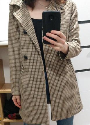 Пальто в клітинку