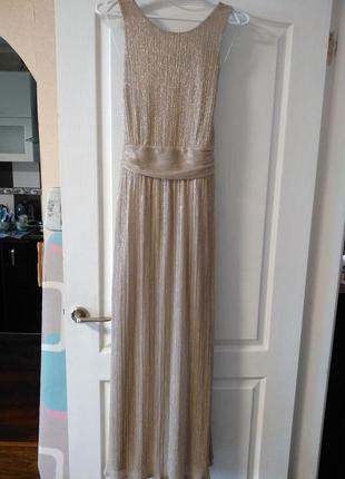 Очень красивое вечернее платье с оригинальной спинкой