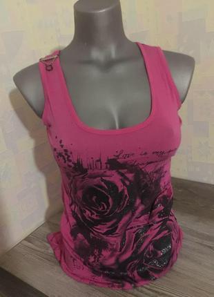 Розовая футболка с чёрным гипюром на спинке с принтом чёрная роза блёстки xxs xs s