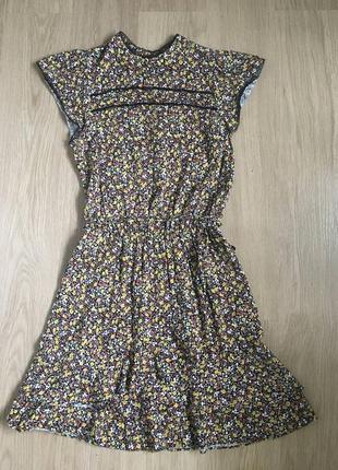 Цветочное короткое платье oasis с многослойной юбкой сукня