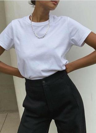Белая хлопковая футболка оверсайз базовая