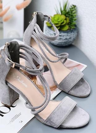 Босоножки женские туфли замшевые замша серые на застёжке замочке3 фото