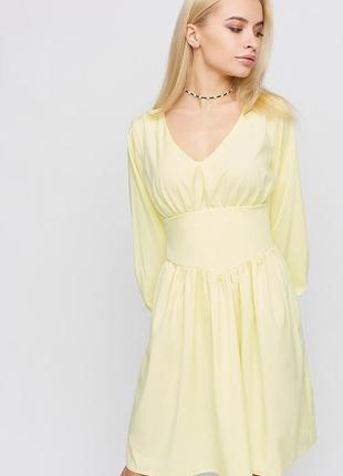 Платье мини длины, длинный рукав с манжетам