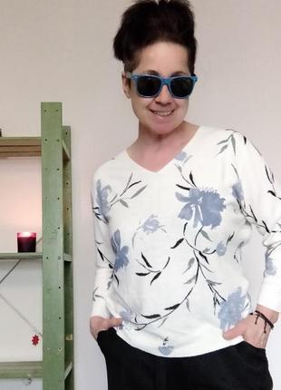 Легкий весенний джемпер с цветами m&co.3 фото