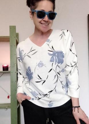 Легкий весенний джемпер с цветами m&co.2 фото