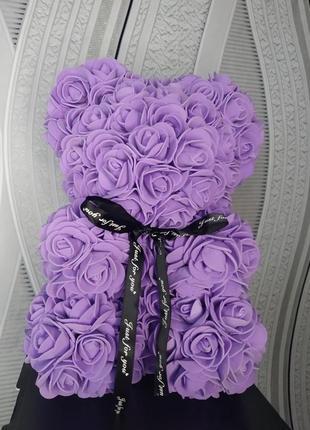 Фиолетовый мишка из искусственных цветов