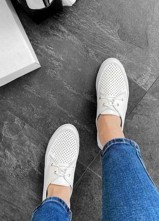 Кожаные женские белые туфли мокасины с перфорацией на шнурках натуральная кожа8 фото