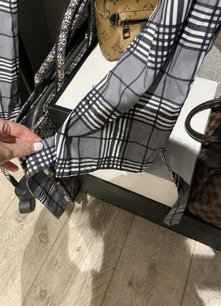 Крутые лёгкие свободные брюки джоггеры в клетку на завязках и резинкой8 фото