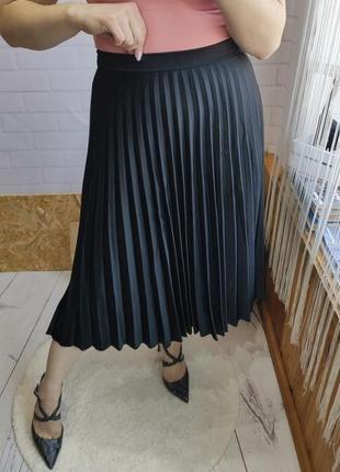 Актуальная плиссерованая миди юбка reserved