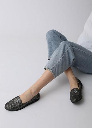 Кожаные женские комфортные черные перламутровые туфли мокасины с перфорацией с узором кожа
