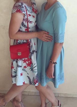 Легкое летнее платье плаття голубое в цветочный принт