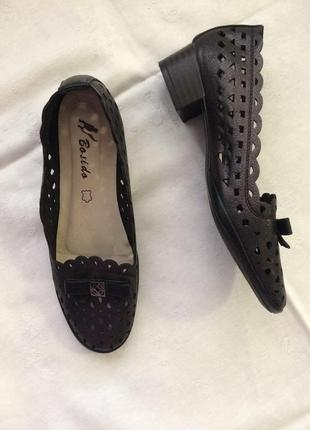 Нове взуття чорного кольору2 фото