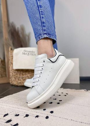 Alexandr mcqueen full white black line женские кроссовки отличного качества