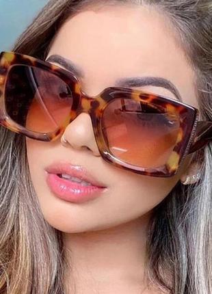 Очки окуляри солнцезащитные солнце тренд стиль 60-х крупные большие леопард новые