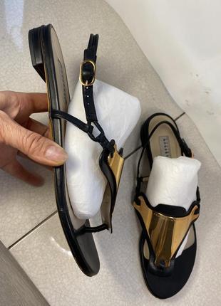 Fratelli rossetti женские кожаные босоножки сандалии без каблука 39 р 25 см оригинал