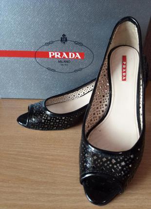 Лакированные туфли prada