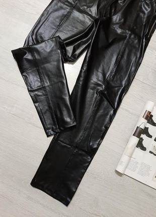 Boohoo кожаные леггинсы m-l брюки кожа прямые в обтяжку укороченные узкачи тренд3 фото