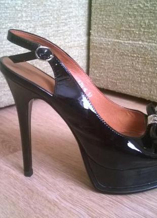 Туфли открытые кожа