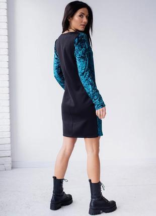 Велюровое платье с кулоном3 фото