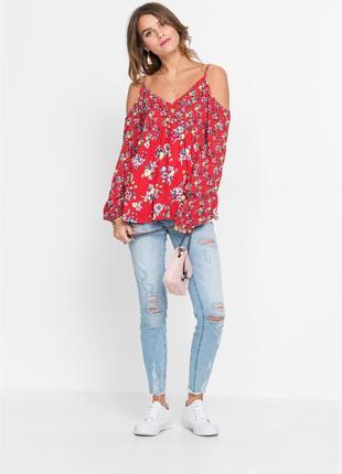 Блузка в цветочный принт с открытыми плечами bonprix, вискоза 100 %, р. 38 евро