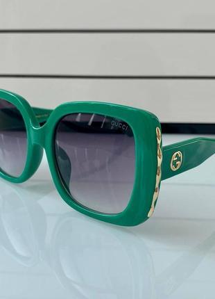 Очки брендовые зелёные крупные модные