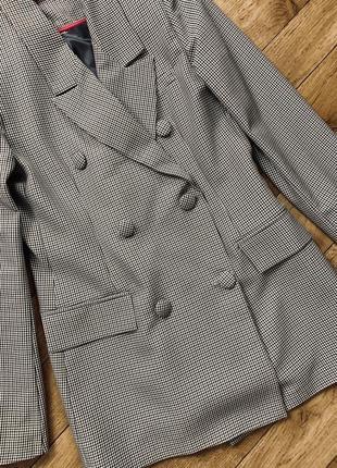 Новый двубортный пиджак очень стильная модель