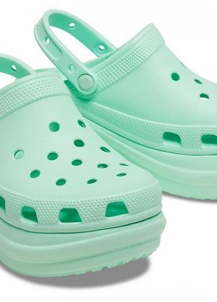 Женские бледно-желтые кроксы сабо crocs women's classic bae clog оригинал