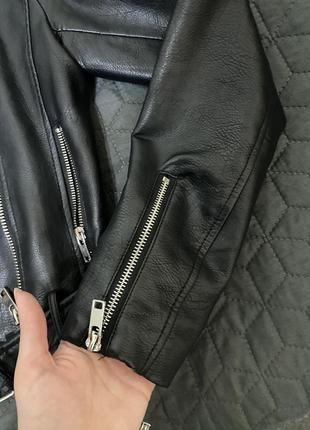 Кожаная куртка косуха bershka10 фото