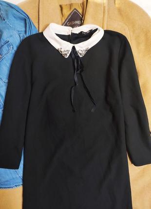 Papaya платье чёрное прямое трапеция с белым воротником и камушками рукав 3/4 свободное6 фото