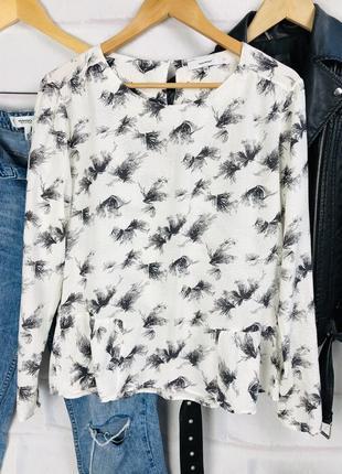 Блуза вискозная интересного кроя в принт3 фото